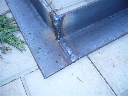 сварить входную металлическую дверь