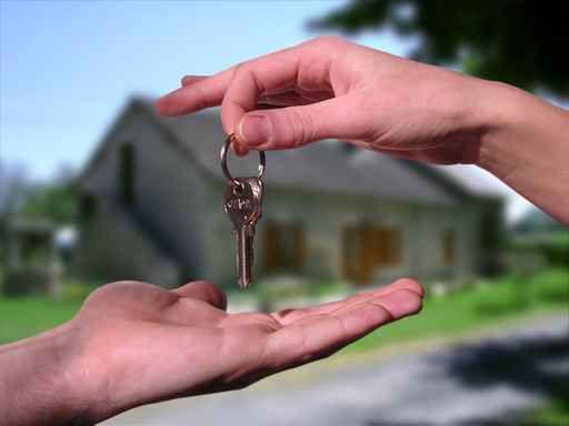 Теперь ваш дом надежно защищен новенькой железной дверью