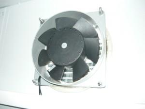 Установка вентилятора с внутренней стороны