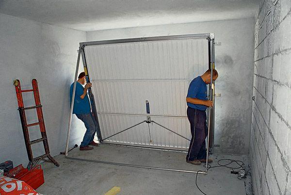 Ворота на гараж сделать своими руками 16