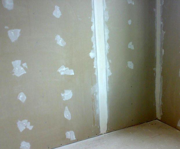 Как зашпаклевать дыры в стене своими руками 3