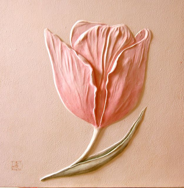 Скульптурный барельеф Тюльпан