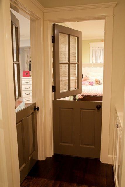 """""""Конюшенная"""" дверь - иногда это очень даже удобно!"""