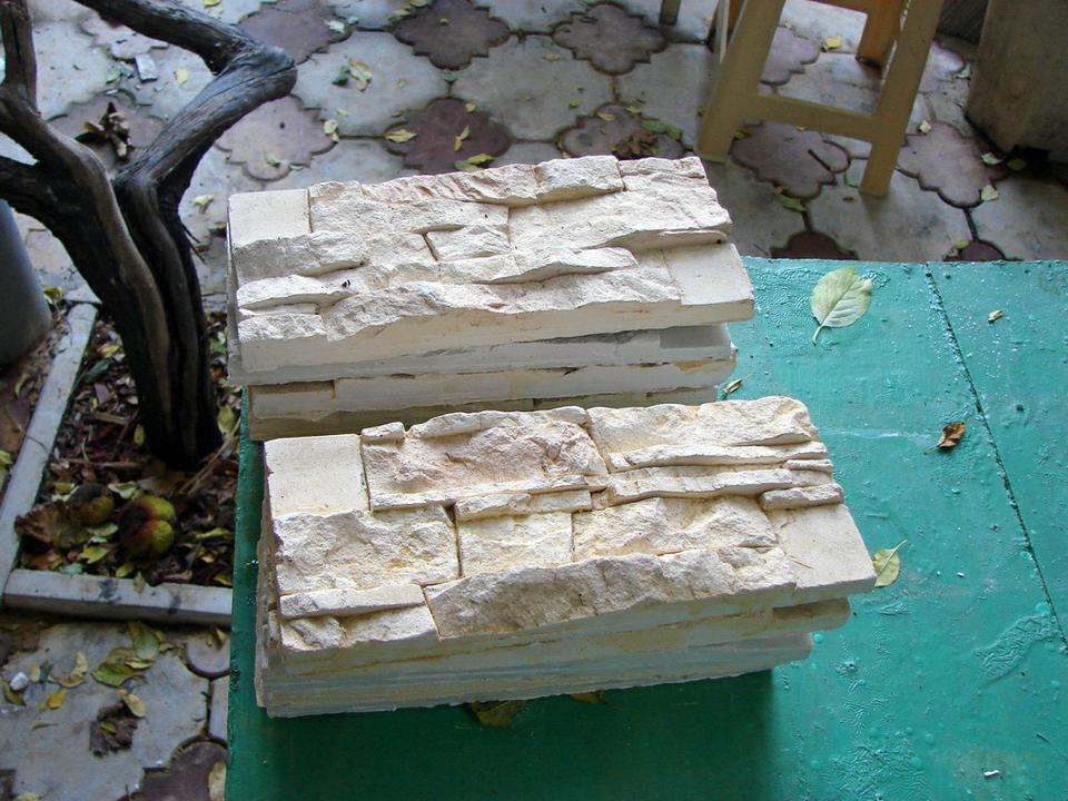 Искусственный камень штукатуркой