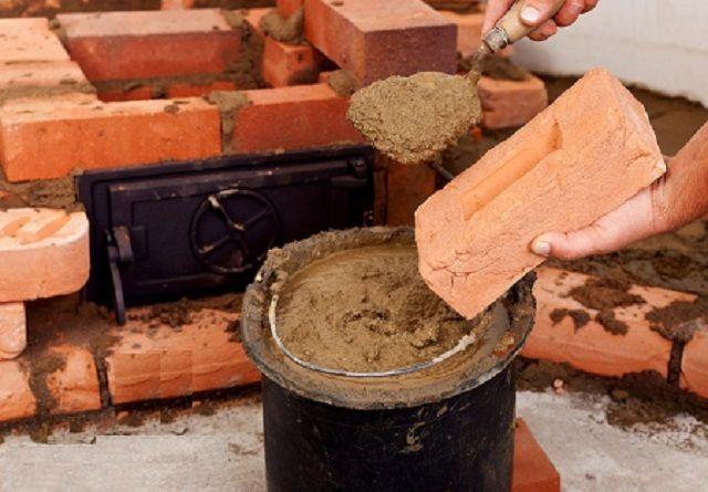 Настоящие мастера никогда не променяют традиционный глиняный раствор на готовые жаростойкие цементные смеси