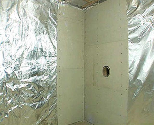 Отделка стен около печки жаростойкими панелями