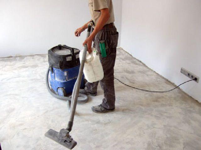 Для уборки обязательно используется мощный пылесос