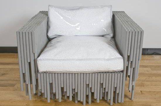 Или даже кресло. Кстати, подушки кресла - это пенопластовая крошка в пластиковых пакетах