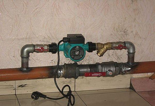 Врезка насоса поднимет эффективность открытой системы отопления