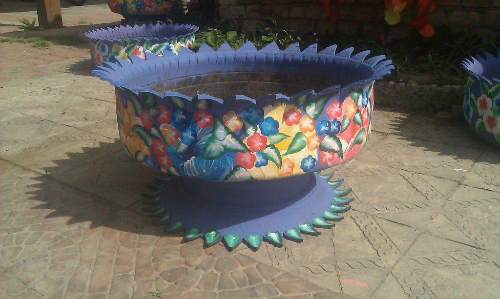 Как делают с колес вазы