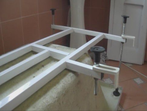 Установка каркаса акриловой ванны своими руками