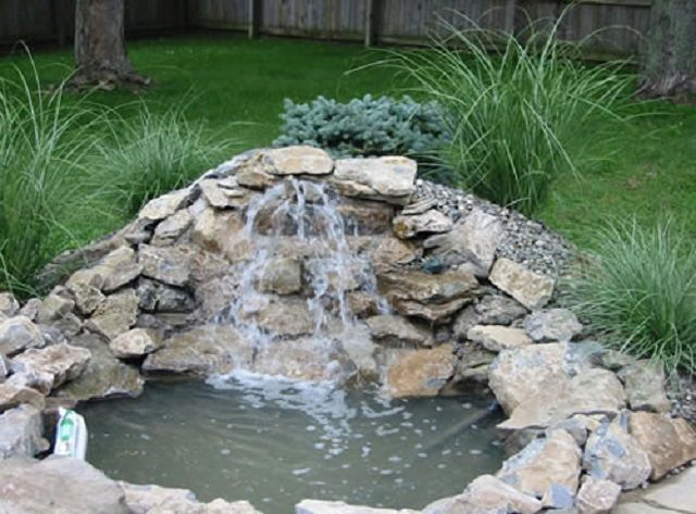 Очищенную воду можно возвращать в водоем красивым каскадом