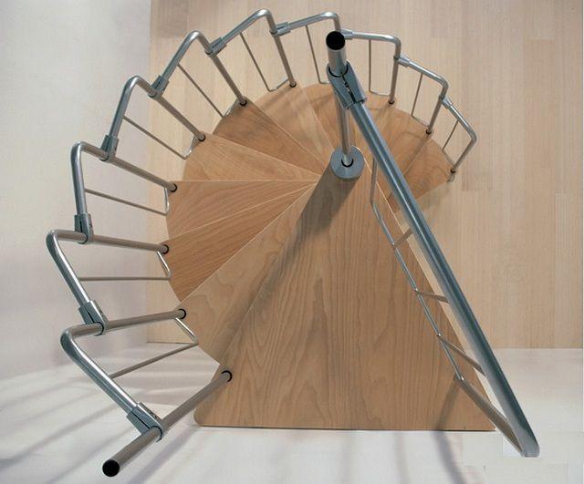 Очень часто в качестве центральной стойки используется металлическая труба