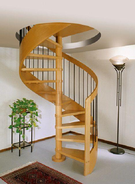 Одно из главных преимуществ винтовой лестницы - экономия площади