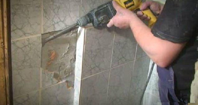 Снятие старой керамической плитки