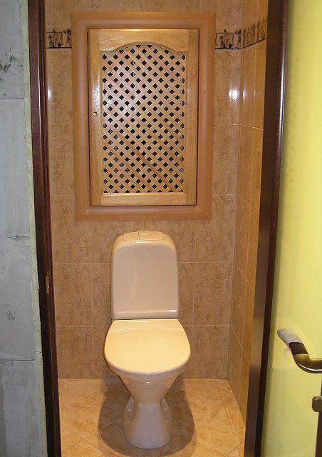 Деревянная дверь для туалета