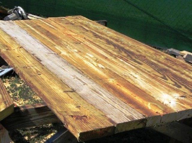 Собранный и склеенный деревянный щит для изготовления днища