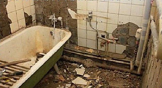 Самый грязный  этап работы  - демонтаж всего старого и обветшалого