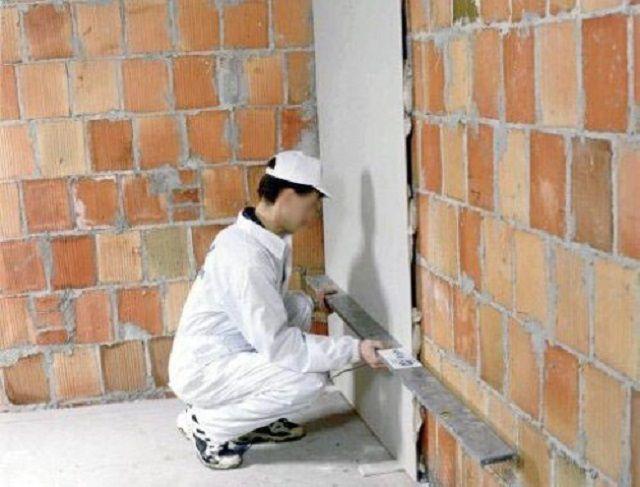 Приклеивание ГКЛ к стене