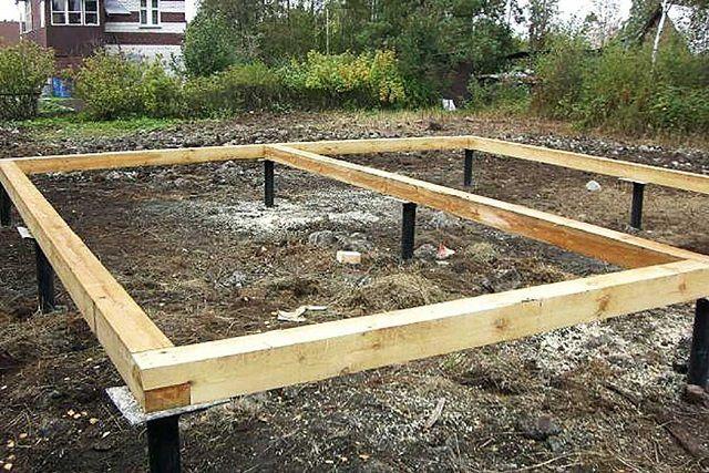 Обвязка винтовых свай деревянным брусом - основа для дальнейшего строительства