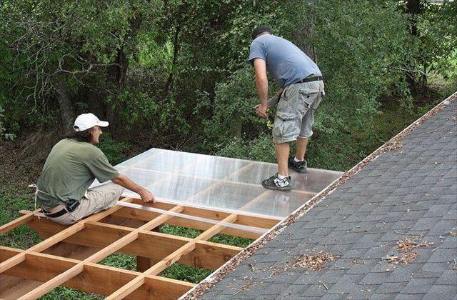 Монтаж поликарбоната на крышу своими руками 94