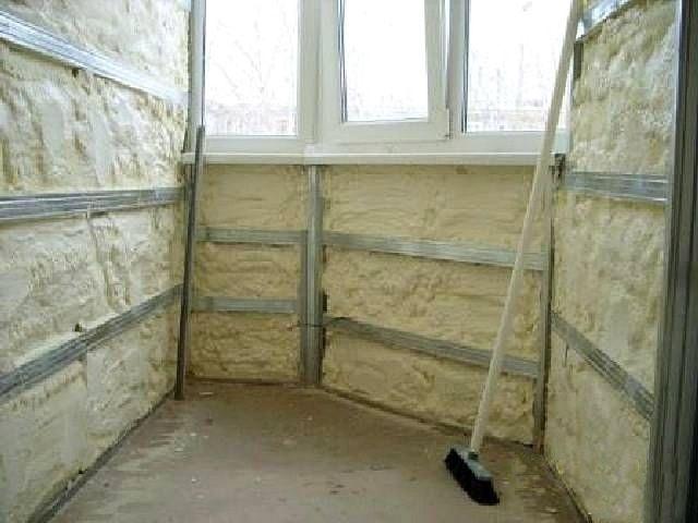Балкон, утепленный напыленным пенополиуретаном