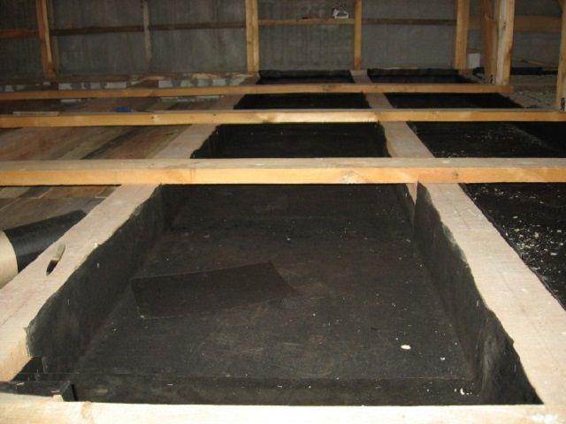 Подготовка поверхности перекрытия к укладке утеплителя