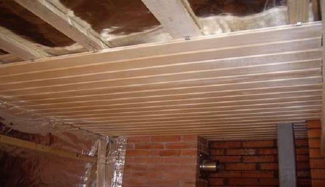 Как положить потолок в бане внутри