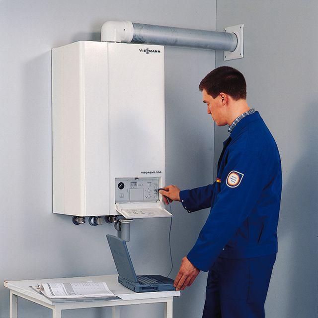 Работы по установке, подключению и регулировке газовых котлов выполняются только квалифицированными специалистами
