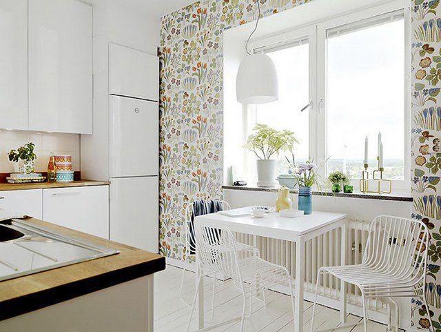 Кухня с отделкой моющимися виниловыми обоями