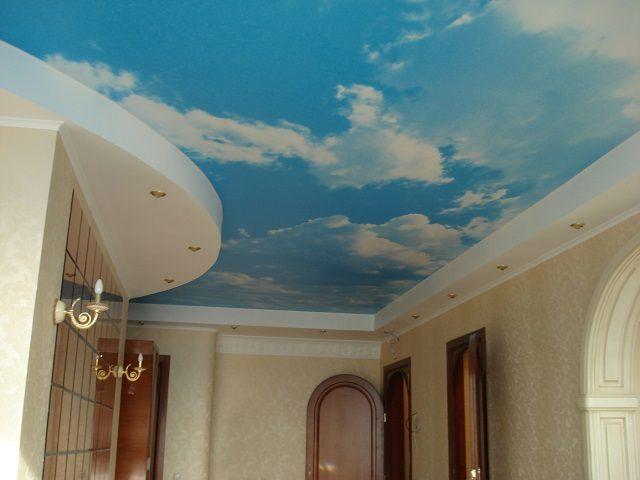 Комбинированный потолок с натяжными и гипскартонными участками