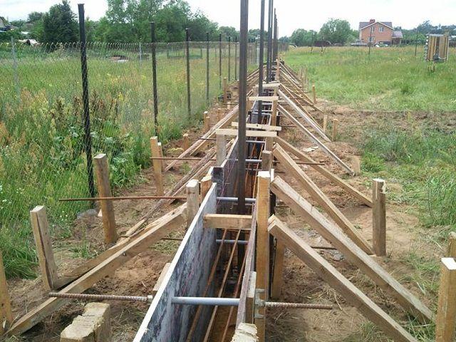 Забор своими руками из бетона