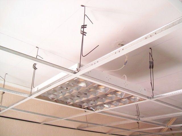 Усиление конструкции каркаса в местах расположения массивных светильников