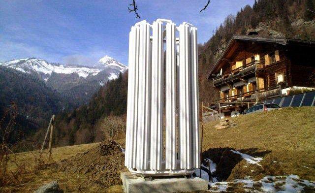 Для европейских городов и поселков это достаточно привычная картина - теплообменник теплового насоса около дома