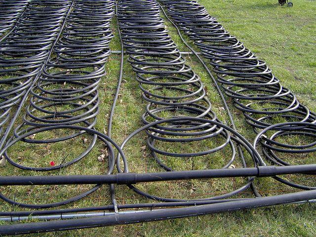 Система труб с коллектором готова к погружению в водоем