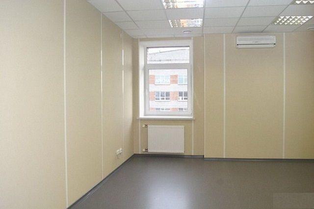 Листовые панели позволяют быстро закрывать большие площади стен