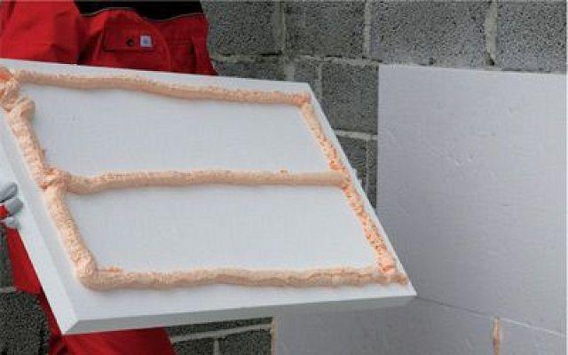 Клей на полимерной основе расходуется более экономно