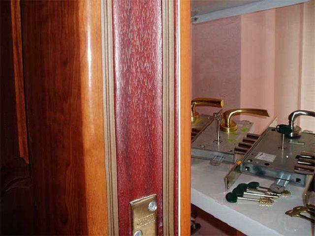 Для частного дома оптимальна дверь с двумя контурами уплотнения