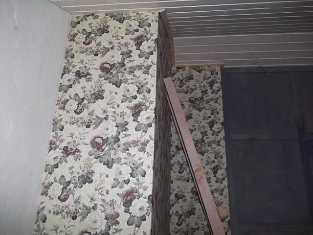 Рис. 14. Отделка стен тканью