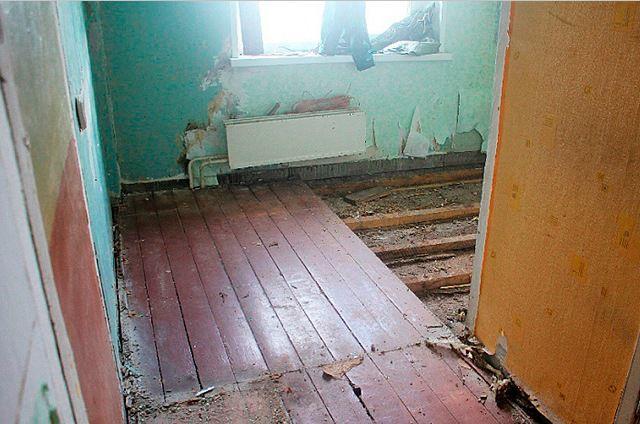 Разборка деревянного пола