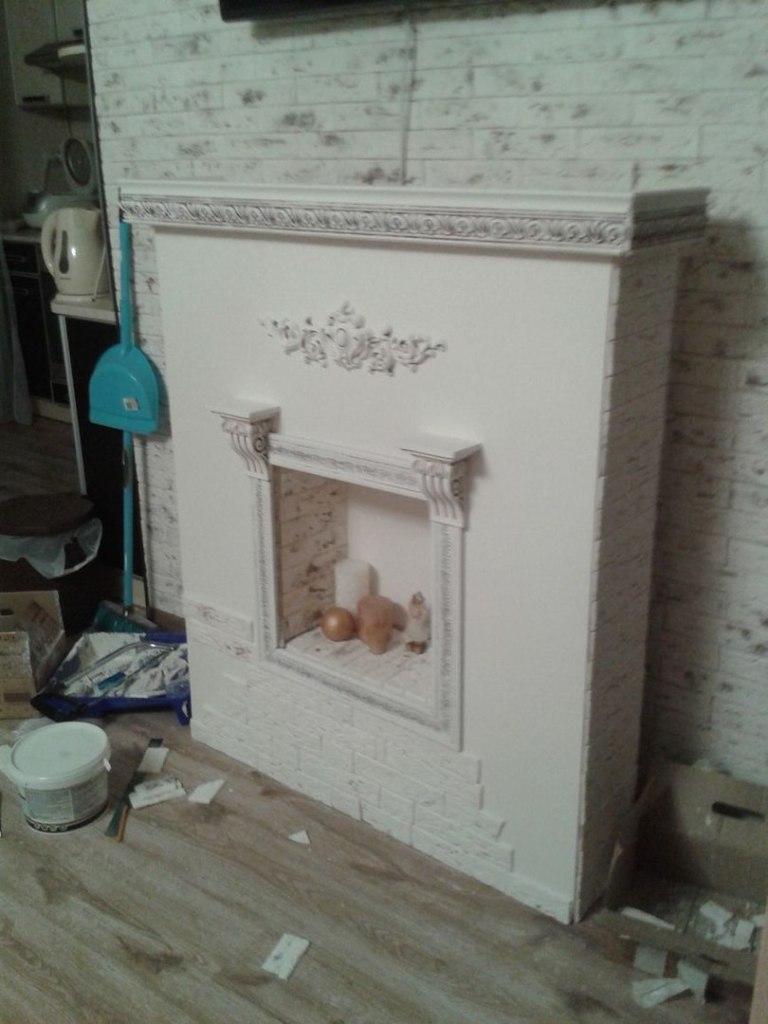 Декоративный камин почти готов