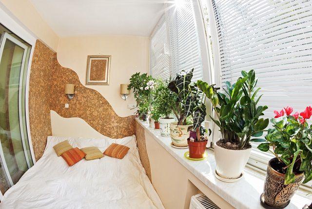 Наглядный пример выноса спальной на территорию балкона или лоджии