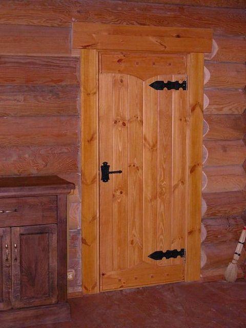 А такая дверь очень хорошо подойдет для бани