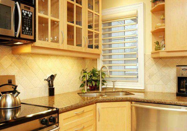 Очень ответственная задача - рационально использовать угловые участки кухонных гарнитуров