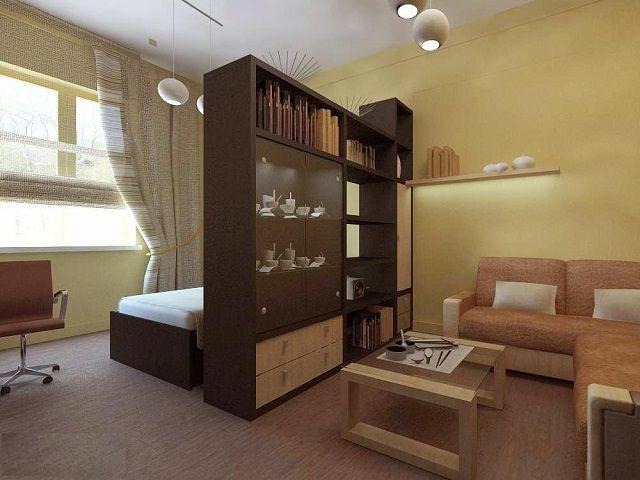 Устанавливая высокий шкаф поперек комнаты, нужно обязательно продумать вопросы его гарантированной устойчивости