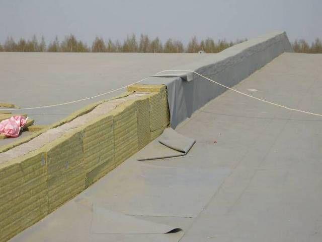 Процесс утепления плоской крыши в один слой