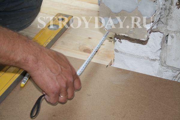Отмеряем размеры фанеры для монтажа