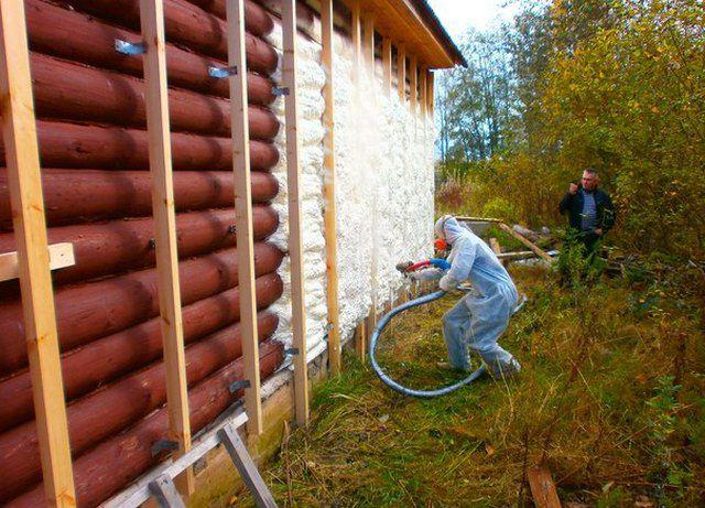 Утепление пенополиуретаном деревянного сруба - весьма сомнительное мероприятие