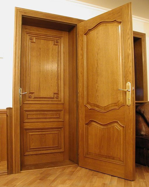 прочные входные двери из дерева