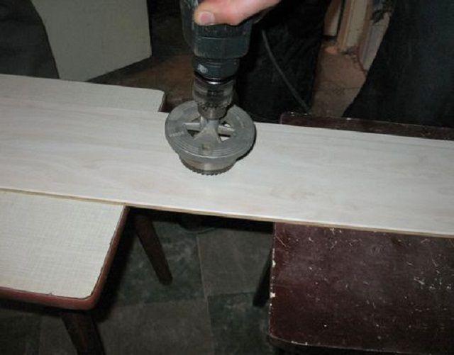 Высверливание гнезда для размещения розетки или выключателя